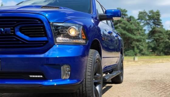 Nieuw! Blauwe Amerikaanse Pick-upTruck!